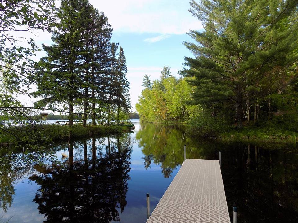 pier-calm-water-Pine-Forest-Lodge